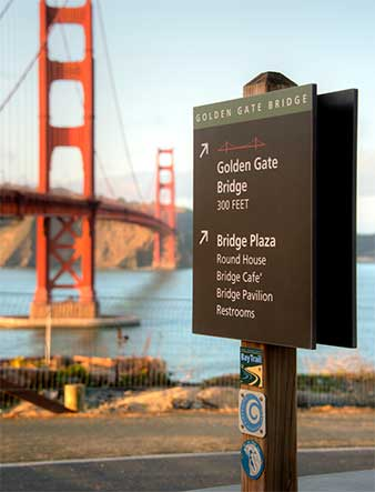 Signs-wayfinding-golden-gate-bridge